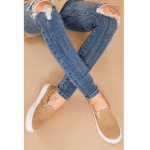 ▪️ Tan slip on sneakers